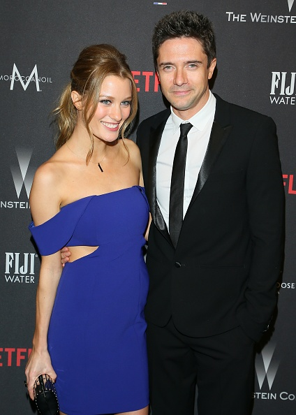 Jaime King And Topher Grace
