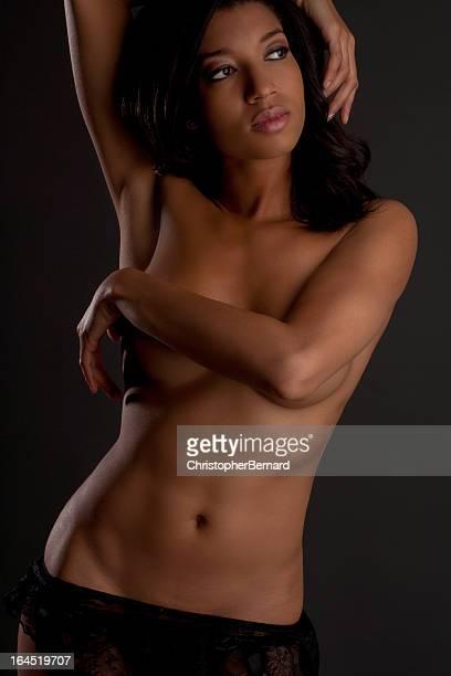 topless belle femme - black slip photos et images de collection