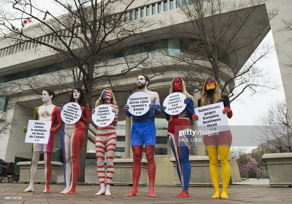 Great Ax: 45 Photos From Feminists Protests Around The World