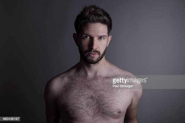 topless man on grey, rembrandt. - hairy chest stock-fotos und bilder