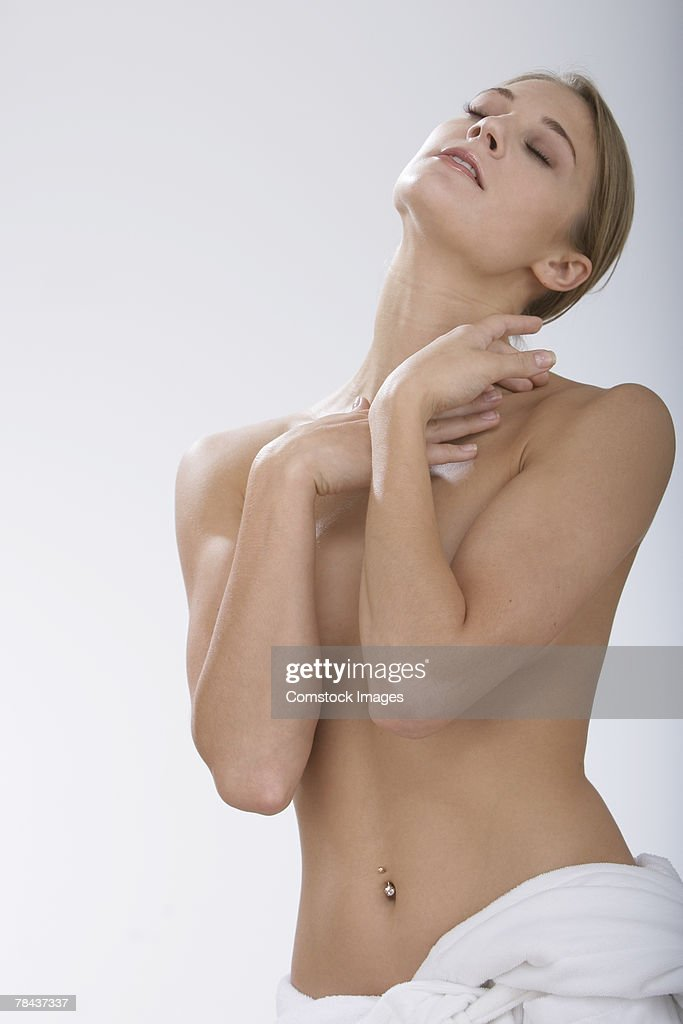 Topless woman with her eyes closed : Stockfoto