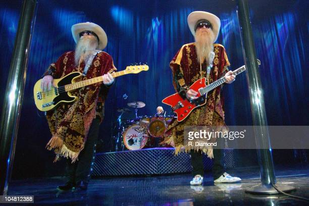 ZZ Topp Dusty Hill Billy Gibbons and Frank Beard