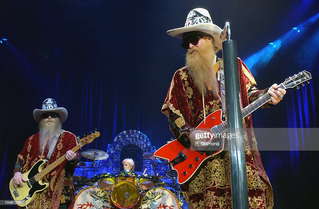 ZZ Topp at The Arena at Gwinnett Center : News Photo