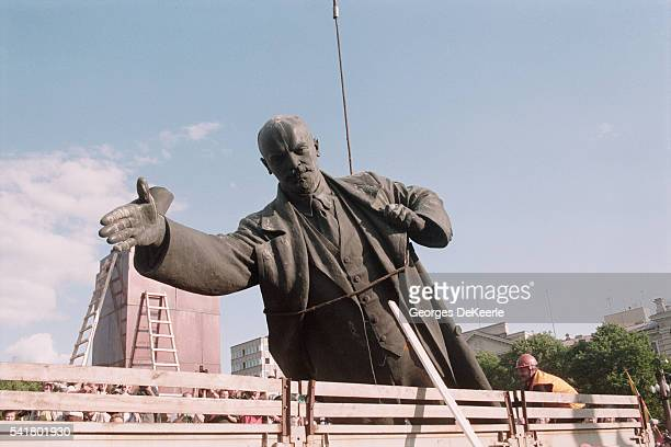 Toppling of Lenin Statue in Lithuania