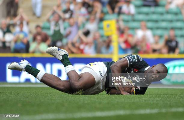 Topsy Ojo of London Irish scores his side's first try during the Aviva Premiership match between London Irish and Harlequins at Twickenham Stadium on...