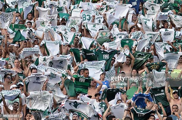 Torcedores na arquibancada durante partida de futebol no Estádio do Pacaembu em São Paulo | Fans in the bleachers during football match at the...
