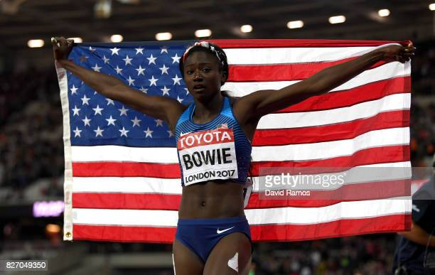 Tori Bowie of the United States celebrates winning gold in the Women's 100 Metres Final during day three of the 16th IAAF World Athletics...