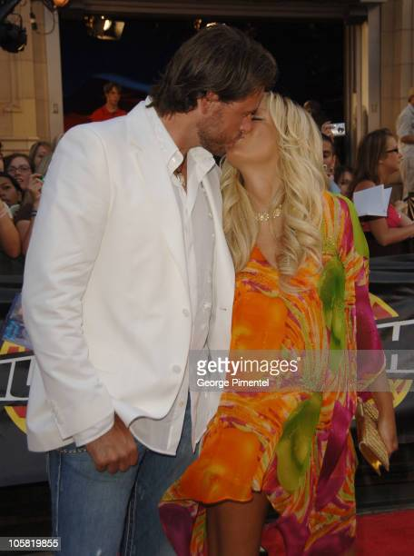 Tori Spelling and Dean McDermott during 17th Annual MuchMusic Video Awards - Red Carpet at Chum/City Building in Toronto, Ontario, Canada.