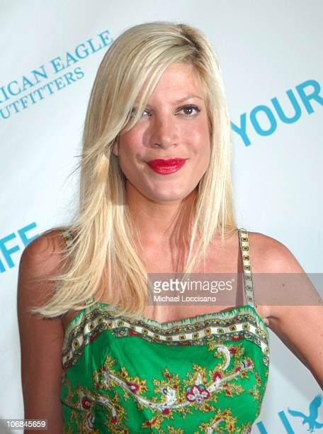 Tori Spelling during American Eagle Announces Six Winners of National 'Live Your Life' Contest at Union Square Celebration at American Eagle...
