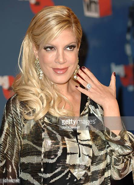 Tori Spelling during VH1 Big in '05 Arrivals at Sony Studios in Los Angeles California United States