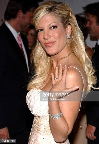 Tori Spelling showing her engagement ring during 14th Annual Elton John AIDS Foundation Oscar Party Cohosted by Audi Chopard and VH1 Arrivals at...