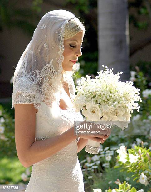 Tori Spelling spent the hours prior to her wedding with her bridesmaids at the Bel Air Hotel She married later that evening at her parents home in...