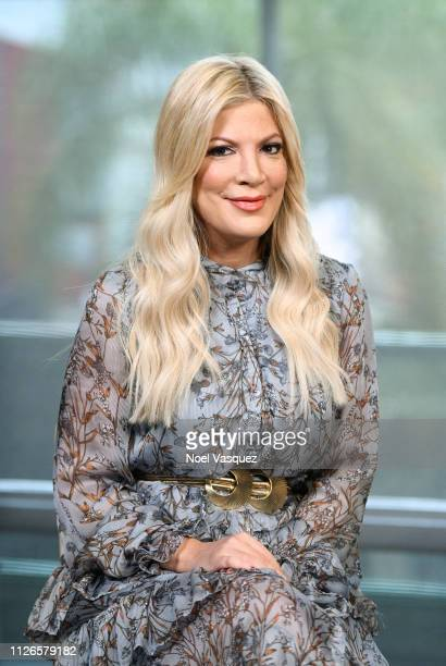 "Tori Spelling visits ""Extra"" at Universal Studios Hollywood on January 31, 2019 in Universal City, California."