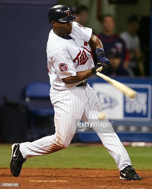 Torii Hunter of the Minnesota Twins breaks his bat as he hits against the San Francisco Giants on June 14 2005 at the Hubert H Humphrey Metrodome in...