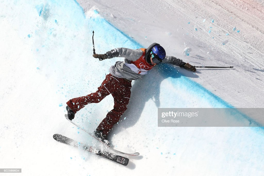 Torin Yater-Wallace of the United States crashes on his second run during the Freestyle Skiing Men's Ski Halfpipe Final on day thirteen of the PyeongChang 2018 Winter Olympic Games at Phoenix Snow Park on February 22, 2018 in Pyeongchang-gun, South Korea.