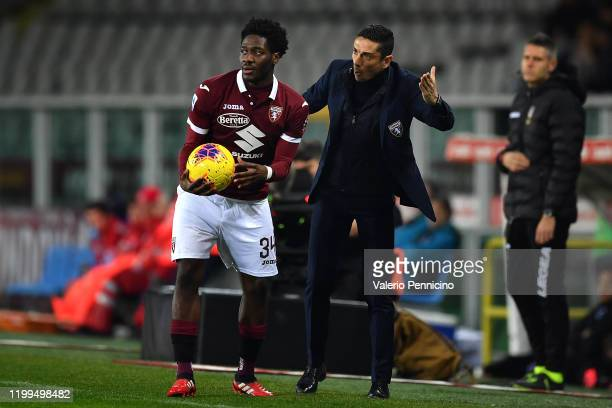 Torino FC head coach Moreno Longo issues instructions his players Ola Aina during the Serie A match between Torino FC and UC Sampdoria at Stadio...