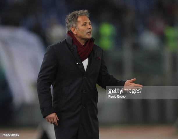 Torino FC head coach Sinisa Mihajlovic gestures during the Serie A match between SS Lazio and Torino FC at Stadio Olimpico on December 11 2017 in...