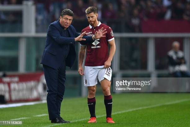 Torino FC head coach Walter Mazzari issues instructions to Cristian Ansaldi during the Serie A match between Torino FC and SSC Napoli at Stadio...