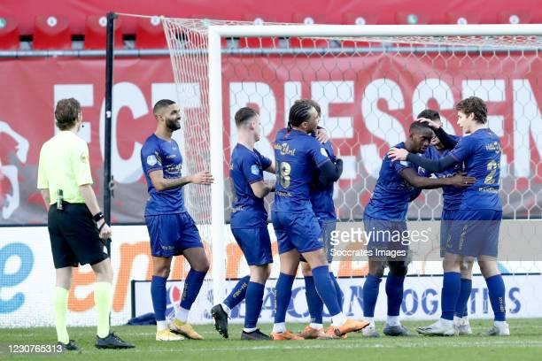 Torino Hunte of VVV Venlo celebrates 0-1 with Kristopher Da Graca of VVV Venlo, Vito van Crooij of VVV Venlo, Leon Guwara of VVV Venlo, Evert...