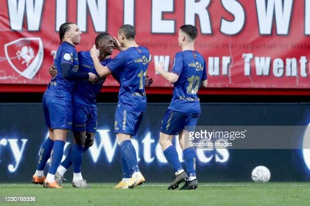 Torino Hunte of VVV Venlo celebrates 0-1 with Leon Guwara of VVV Venlo, Georgios Giakoumakis of VVV Venlo, Vito van Crooij of VVV Venlo during the...