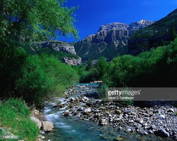 Torla, the River Ara and Mondarruego.