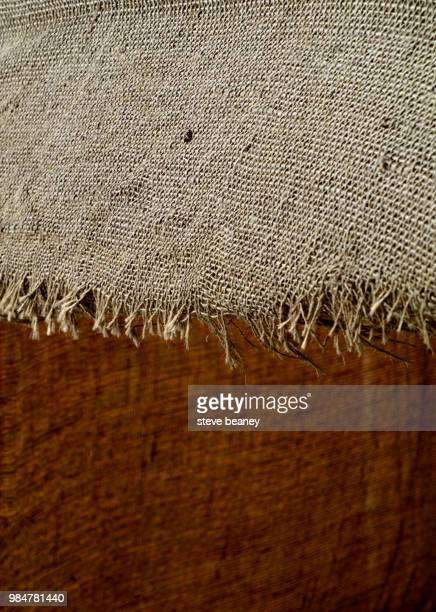 torn & frayed - 布の袋 ストックフォトと画像