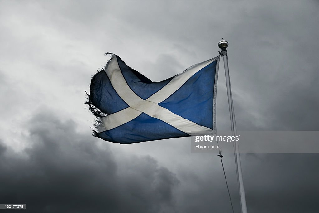 Zerrissen schottischen Flagge im Sturm : Stock-Foto
