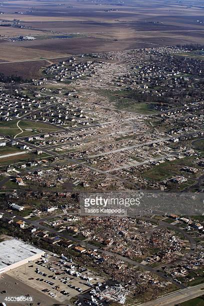 Tornado damaged homes are seen on November 18 2013 in Washington Illinois According to reports the tonado that ripped across Washington Illinois has...