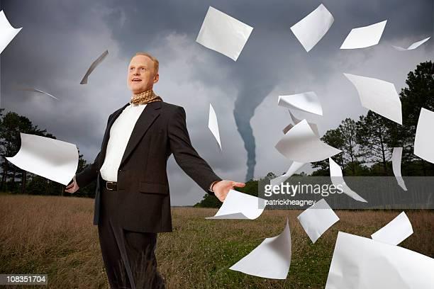 Tornado von Papierkram