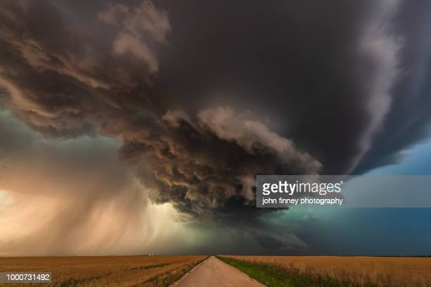 tornado warned storm pt2, oklahoma. usa - great plains stock pictures, royalty-free photos & images