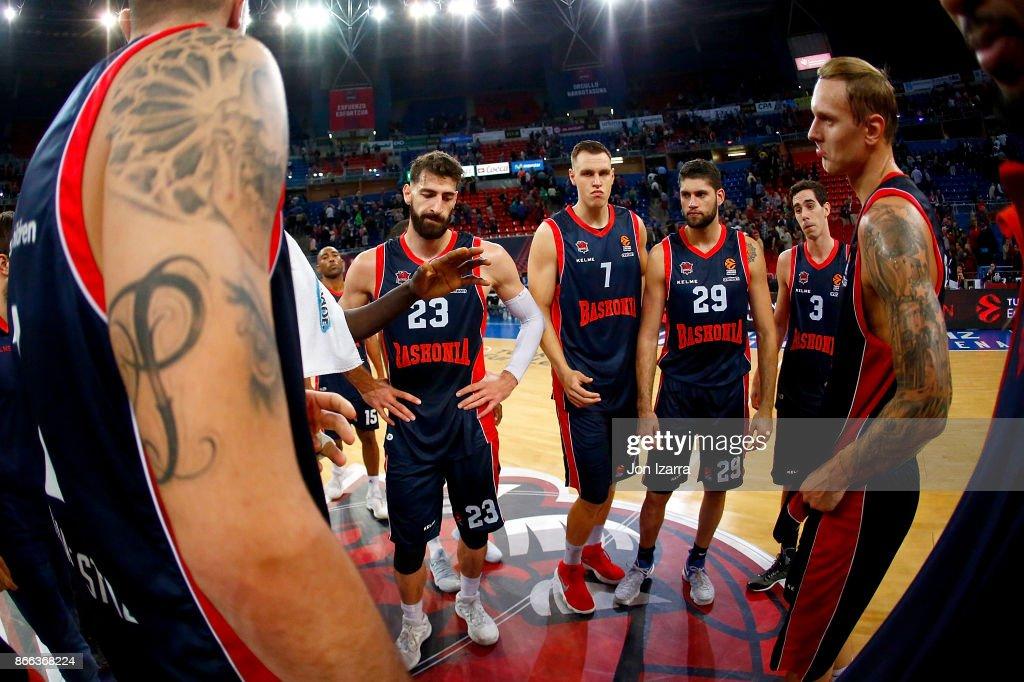 Baskonia Vitoria Gasteiz v Valencia Basket - Turkish Airlines EuroLeague