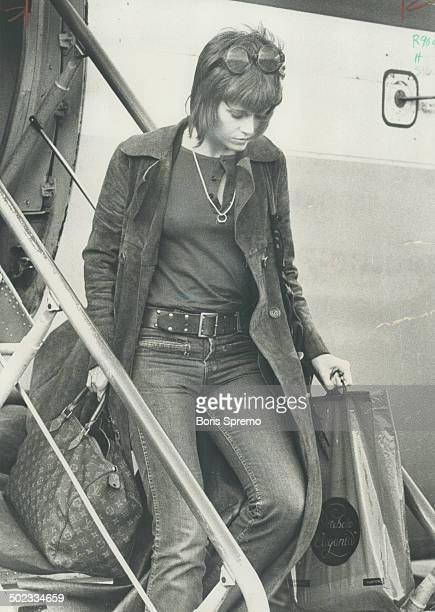 Toronto a step in Jane's tour Actressactivist Jane Fonda stepped off a plane at Toronto Airport yesterday for a stopover on way to London Ont...