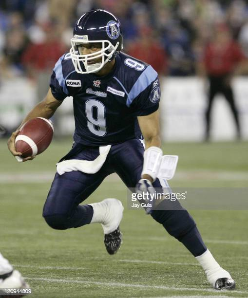 Toronto Argonauts QB Damon Allen looks for an opening vs the Calgary Stampeders in CFL action at Rogers Centre in Toronto, Canada. September 30, 2006