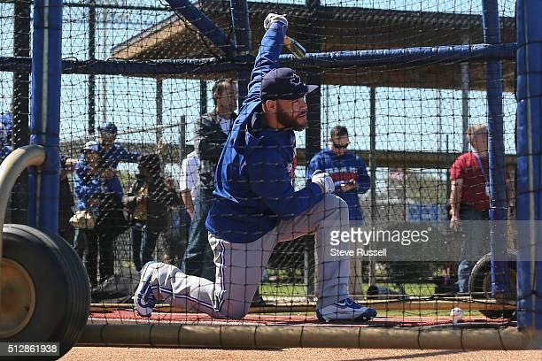 Toronto Blue Jays catcher Russell Martin takes batting practice Toronto Blue Jays Spring Training for the 2016 Major League Baseball Season in Bobby...