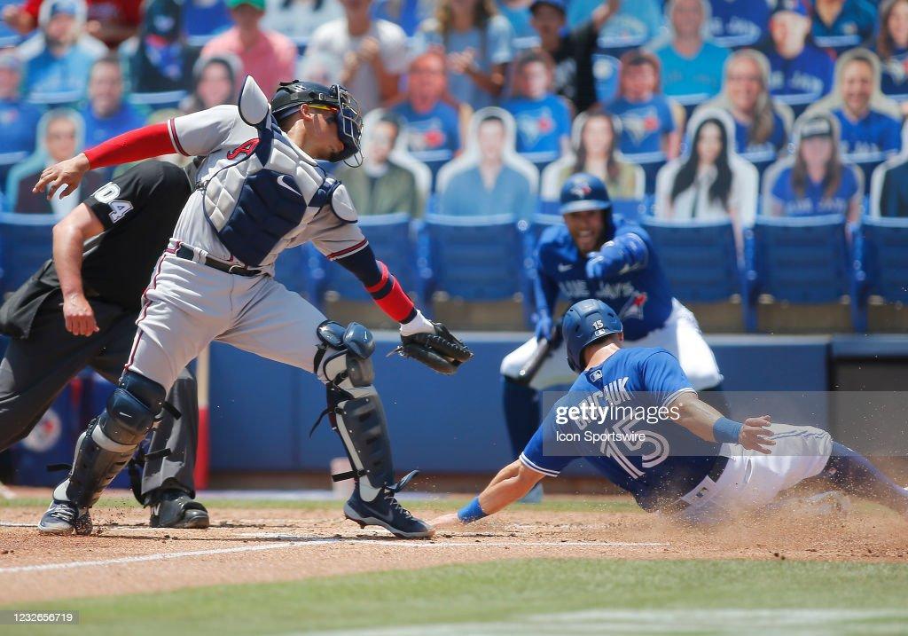 MLB: MAY 02 Braves at Blue Jays : Nyhetsfoto