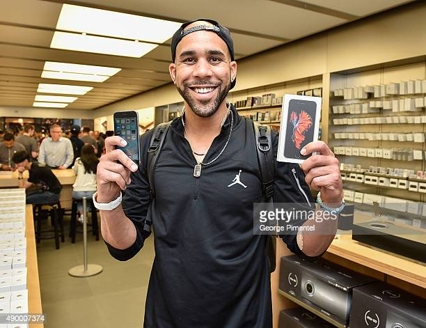 Toronto Blue Jays player David Price stops by Apple Store Eaton Centre in Toronto for new iPhone 6s and iPhone 6s Plus at Apple Store Eaton Centre on...