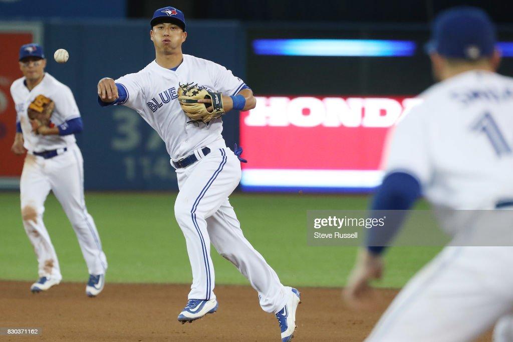 Jays Vs Yankees : News Photo