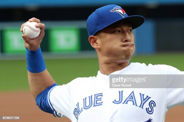 TORONTO ON AUGUST 10 Toronto Blue Jays second baseman Rob Refsnyder warms up as the Toronto Blue Jays shutout the New York Yankees 40 at the Rogers...