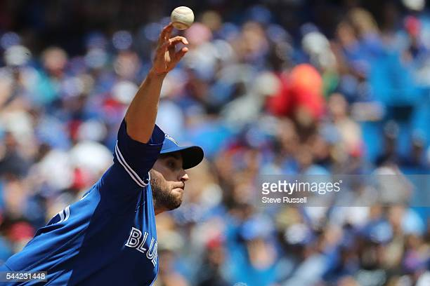 Toronto Blue Jays starting pitcher Marco Estrada throws a circle change up as the Toronto Blue Jays beat the Cleveland Indians 9-6 to end their 14...