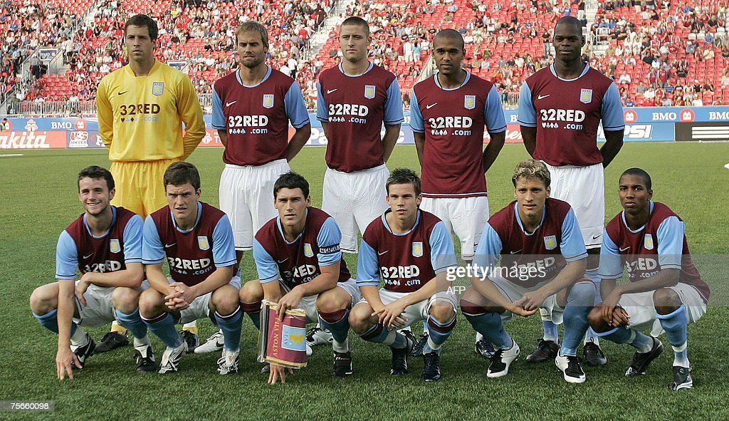 Aston Villa poses for their team picture... : News Photo