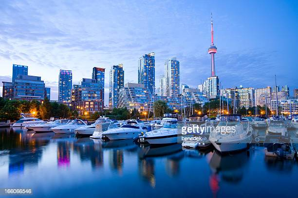 toronto, canada - cn tower stock pictures, royalty-free photos & images