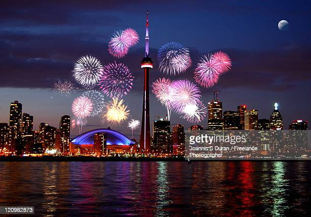 toronto cavalcade of lights festival - cn tower stock pictures, royalty-free photos & images
