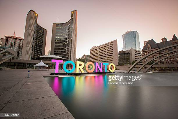 toronto city hall - toronto - fotografias e filmes do acervo