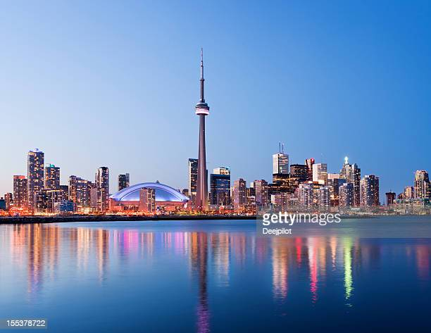 toronto city skyline at night in canada - toronto stock pictures, royalty-free photos & images