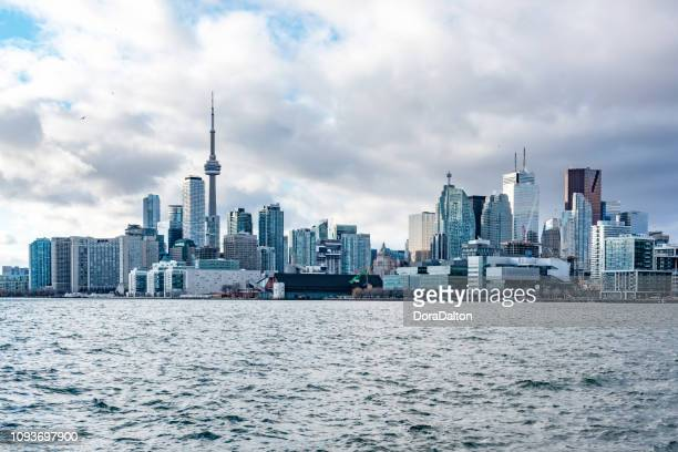 toronto city skyline - toronto stock pictures, royalty-free photos & images