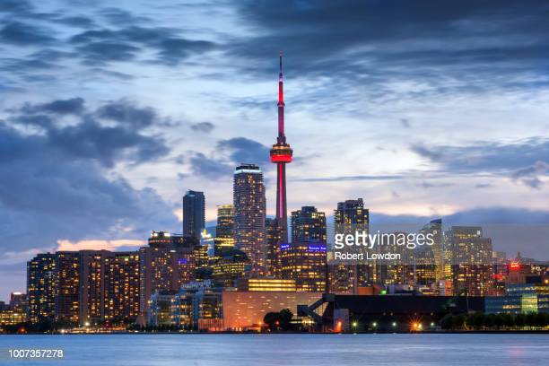 toronto downtown - cn tower stock pictures, royalty-free photos & images