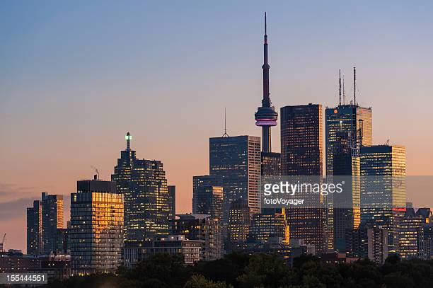 toronto downtown skyscraper skyline sunset - toronto stock pictures, royalty-free photos & images