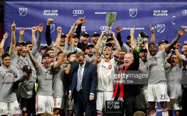 Toronto FC celebrates a 2-1 win over the Atlanta United in the Eastern Conference Finals between Atlanta United and Toronto FC at Mercedes-Benz...