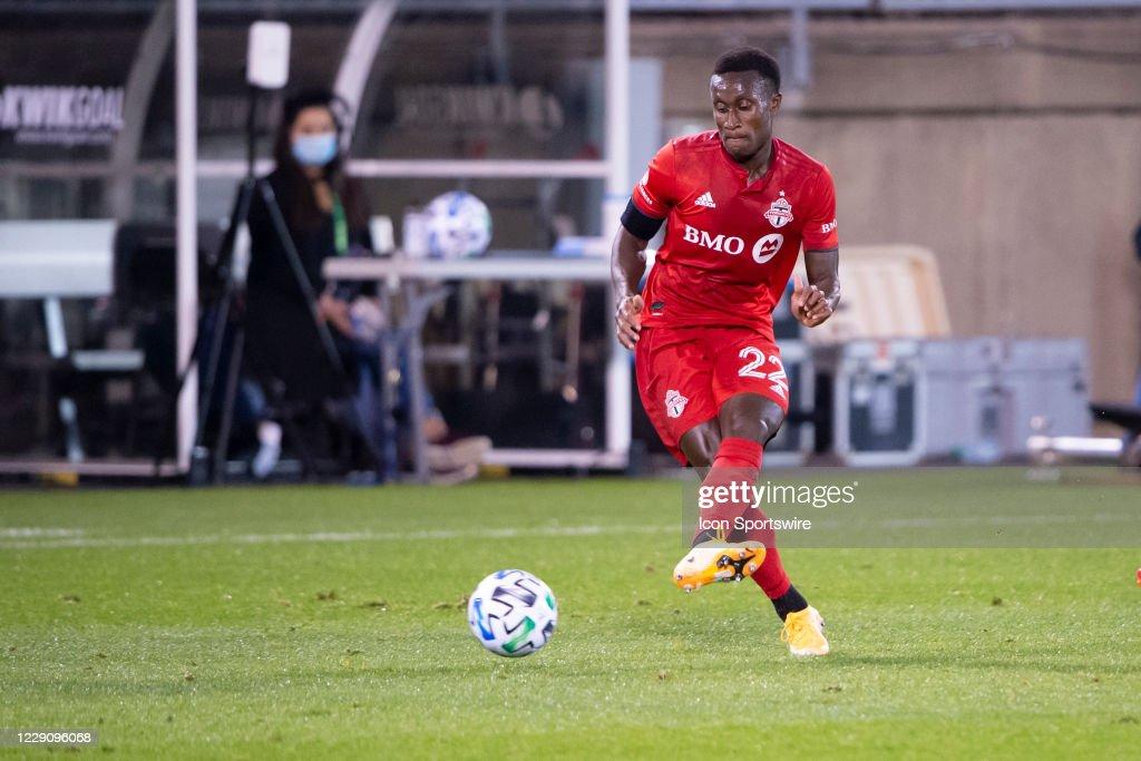 SOCCER: OCT 14 MLS - New York Red Bulls at Toronto FC : News Photo