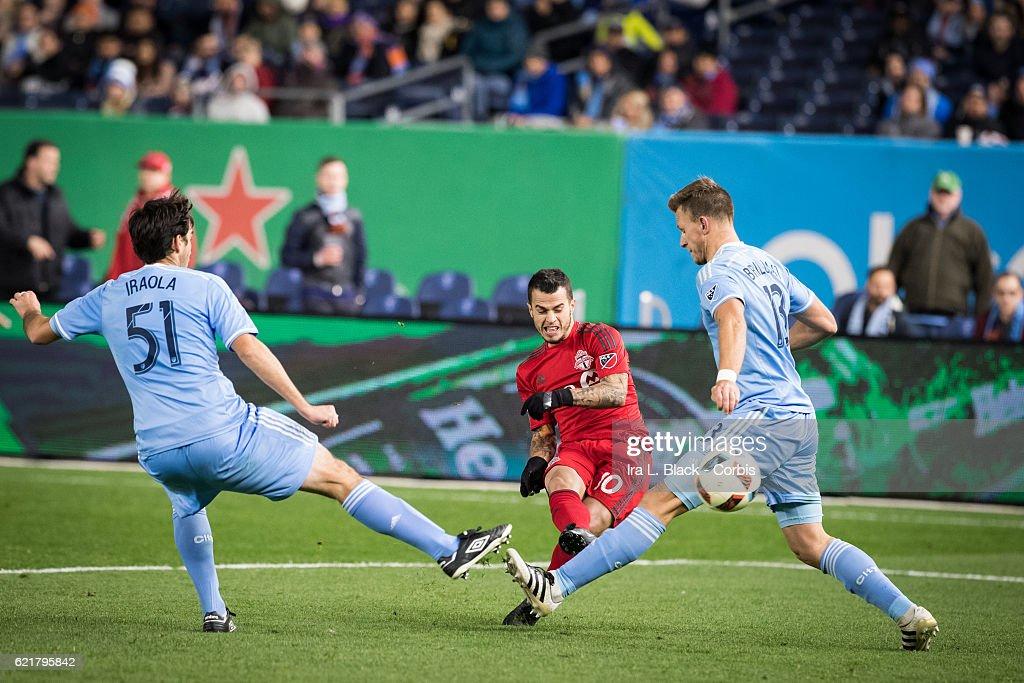 Soccer - MLS -  Eastern Region Conference Semifinal – New York City CFC v Toronto FC : News Photo